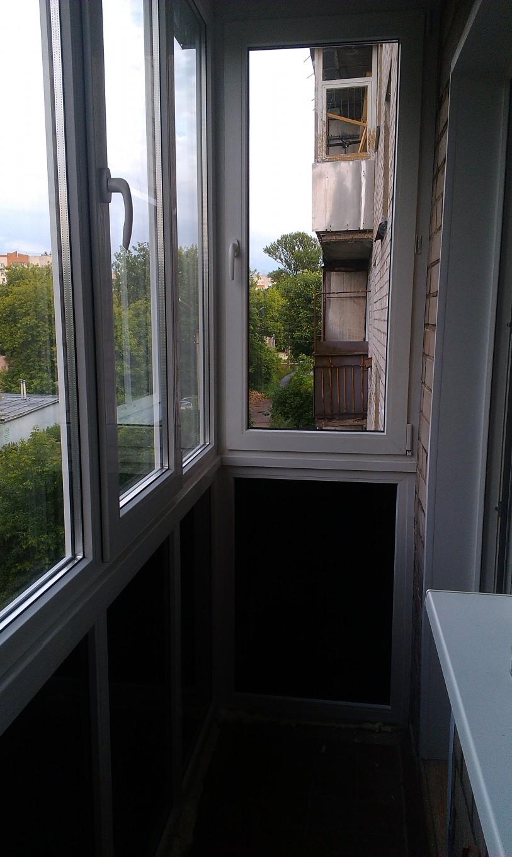 Остекление балкона с тонировкой (2)