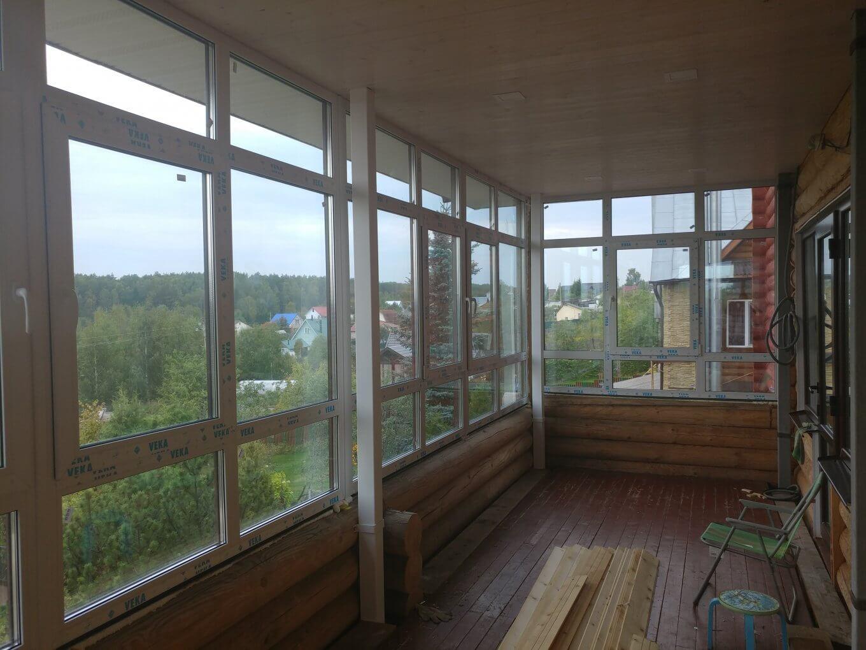 Панорамное остекление балкона VEKA